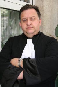 """Авторът Д-р Борислав Найденов е световнопризнат експерт по въпросите на сигурността и тероризма. Повече за него може да прочетете в интервюто му """"Закони толерират """"фабрики за печелене на дела"""" подраздел """"личности""""."""