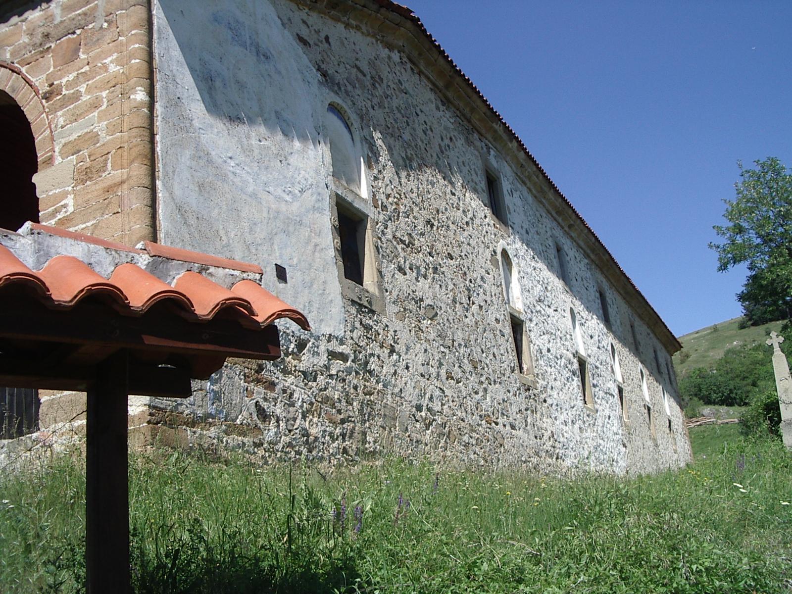 """Грандиозната """"Св. Троица""""  се отваря само за туристи и не се позволява богослужение на български."""